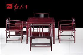 梳背椅小方桌